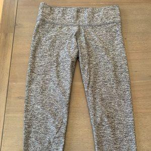 Pink 3/4 grey leggings. EUC